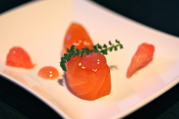 Salmon with grapefruit Sra Bua